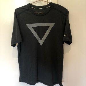 Men's black graphic Nike dri-fit running tee-shirt